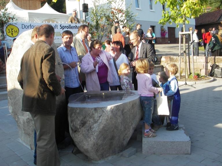 einweihung_dorfbrunnen_2009_035